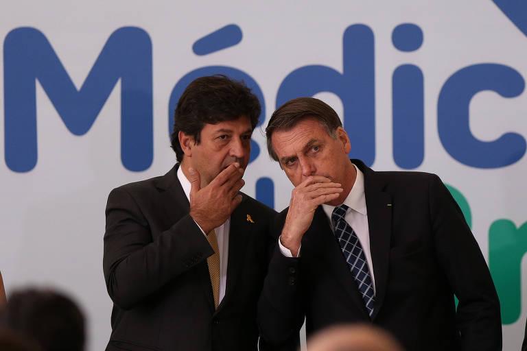 O ministro da Saúde, Luiz Henrique Mandetta, e o presidente Jair Bolsonaro no lançamento do programa Médicos pelo Brasil, em agosto