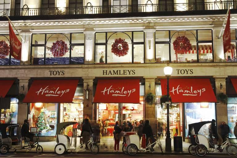 A Hamleys, em Londres