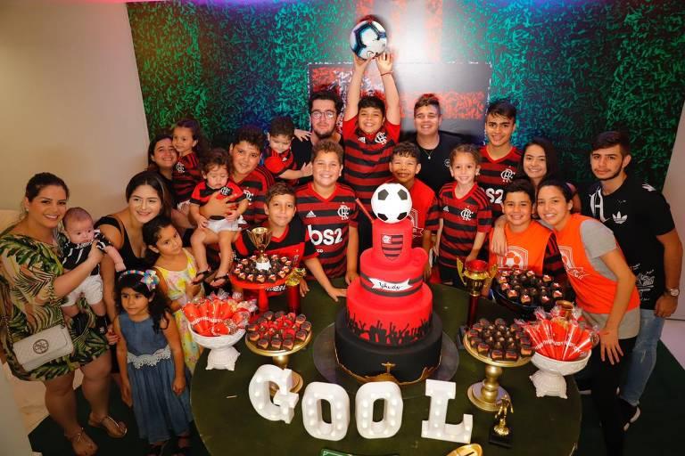 Yhudy comemora aniversário de 9 anos em festa temática do Flamengo ao lado do pai Wesley Safadão, de Thyane Dantas e dos irmãos Ysis e Dom