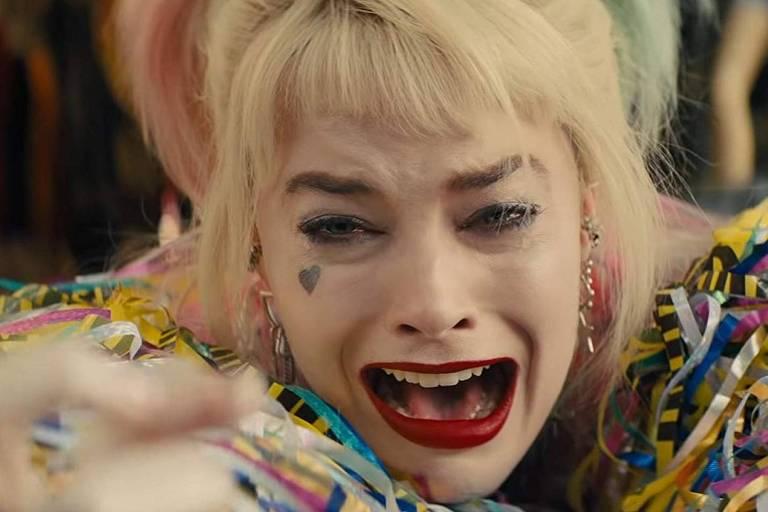 A atriz Margot Robbie como Arlequina em 'Aves de Rapina'