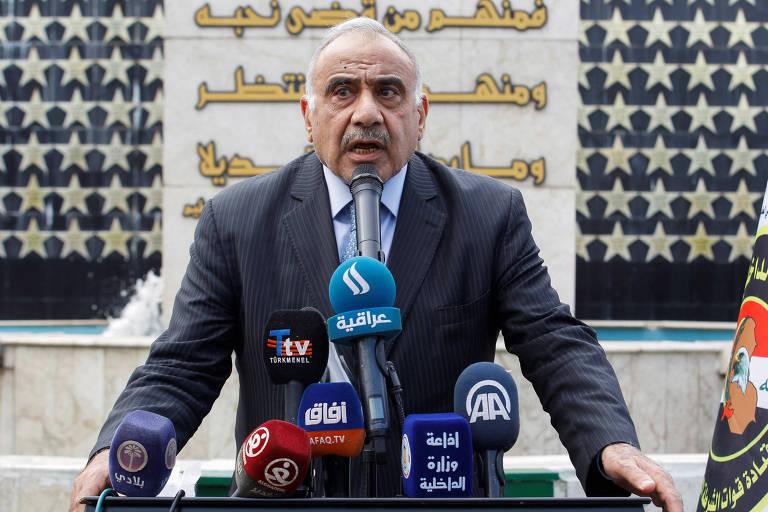 O primeiro-ministro Adel Abdul Mahdi durante entrevista coletiva em Bagdá
