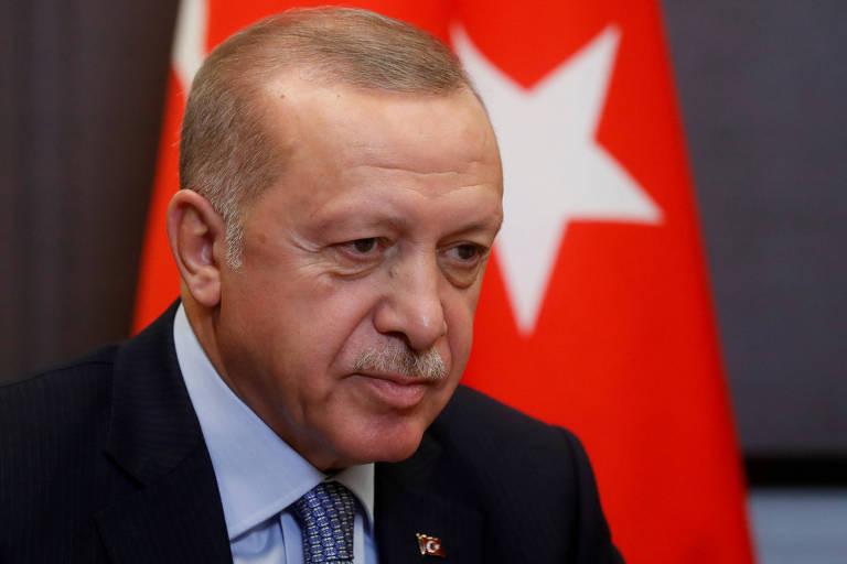 O presidente da Turquia, Recep Tayyip Erdogan, durante encontro com Vladimir Putin em Sochi, na Rússia
