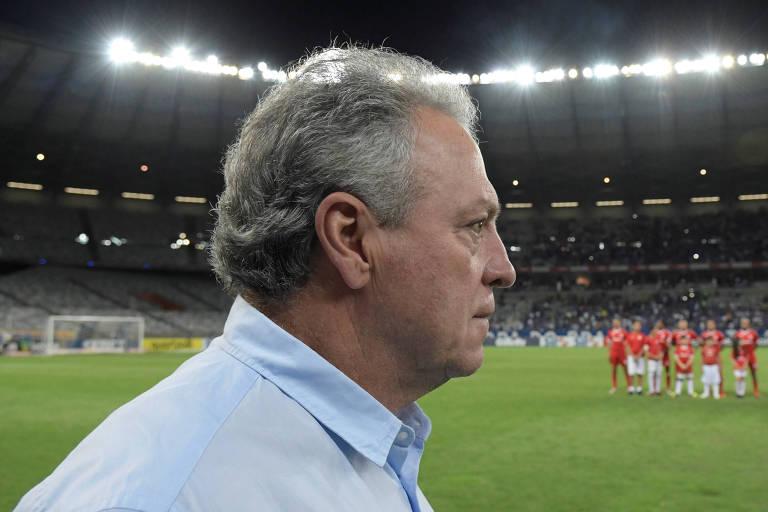 Com o Cruzeiro na zona de rebaixamento, Abel Braga acabou demitido após a 35ª rodada do Campeonato Brasileiro