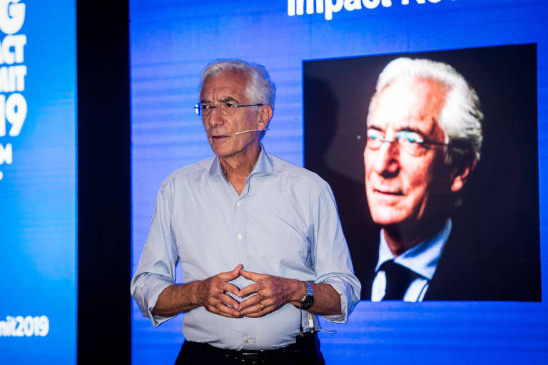 Sir Ronald Cohen, Chair do GSG Group, durante sua fala na Cúpula Global sobre Investimento de Impacto