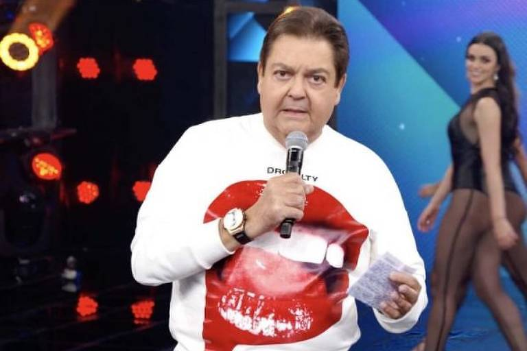 Faustão usa camiseta descolada no 'Domingão'