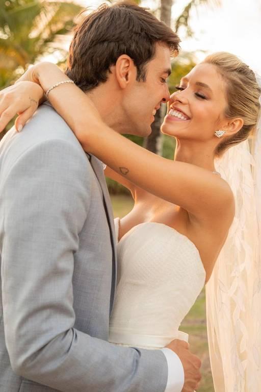 Kaká e Carol Dias se casam na Bahia