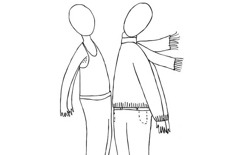 Ilustração em linhas pretas de duas pessoas de perfil, uma de frente. A pessoa do lado esquerdo está vestindo regata, calça comprida e tênis. A pessoa do lado direito está vestindo cachecol, blusa de frio, calça comprida e tênis