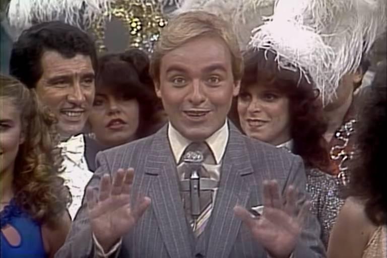 Gugu comanda o programa Viva a Noite em 1983