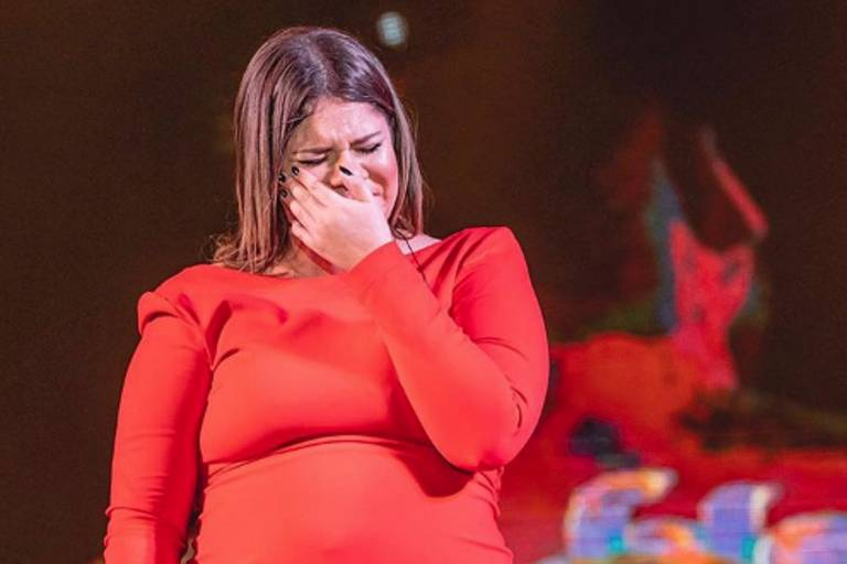 Marília Mendonça chora em último show antes de pausa na carreira