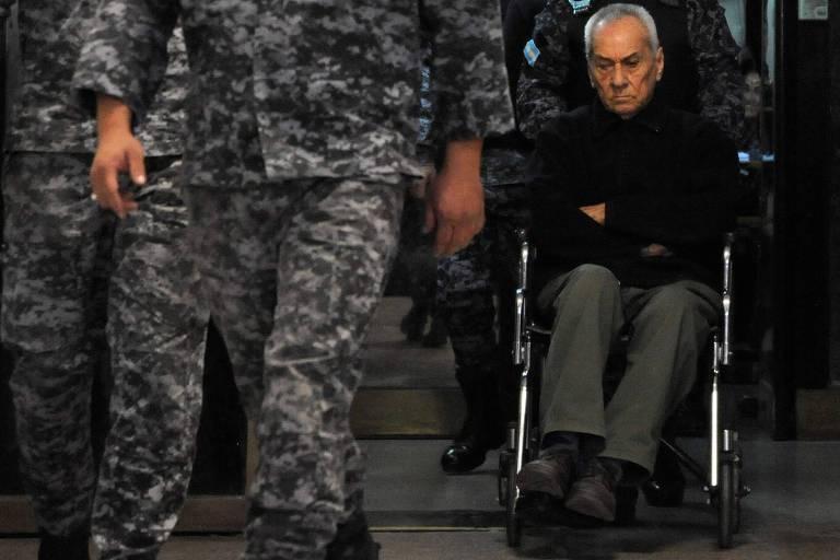 Apesar da Igreja, Argentina obtém vitória contra padres abusadores