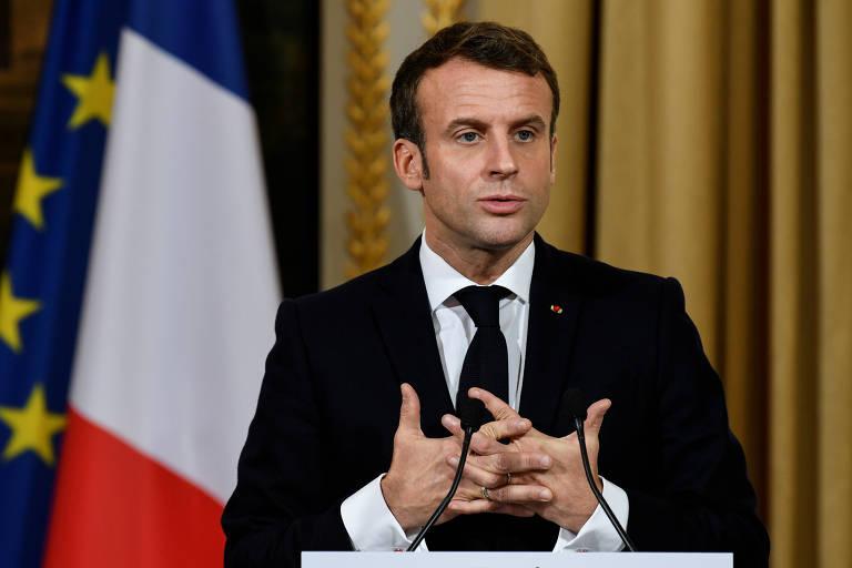 O presidente francês, Emmanuel Macron, em entrevista coletiva após se encontrar com o secretário-geral da Otan, Jens Stoltenberg, em Paris