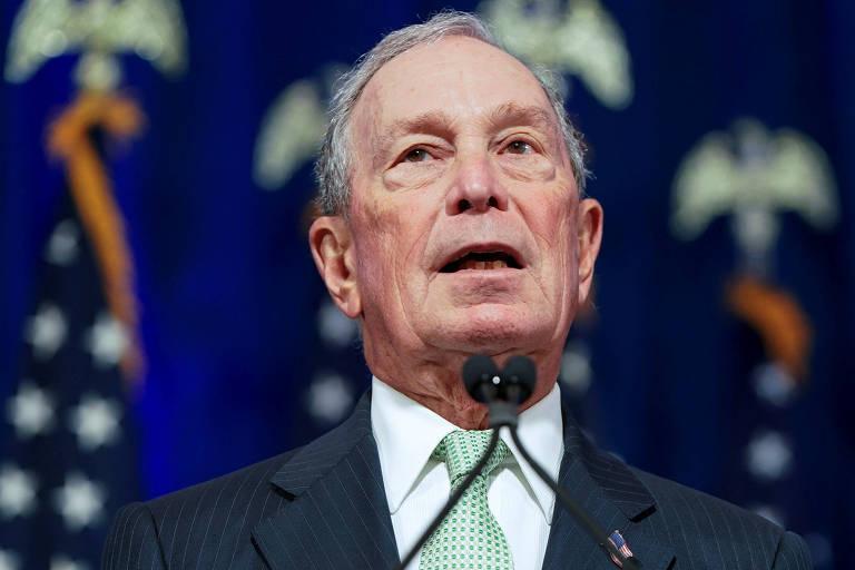 O pré-candidato democrata à Presidência Michael Bloomberg durante entrevista coletiva em Norfolk, na Virgínia