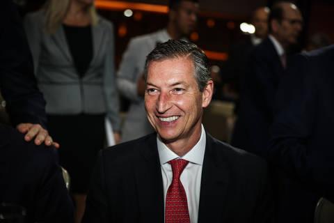 Guedes firma compromisso pragmático com investidores em Davos, diz presidente do Bradesco