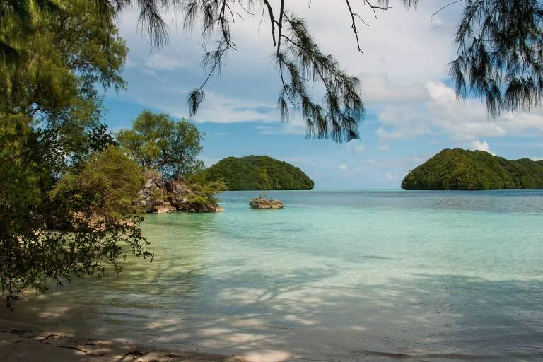 Para conter danos, lugares exigem que turistas façam juramento de que vão se comportar