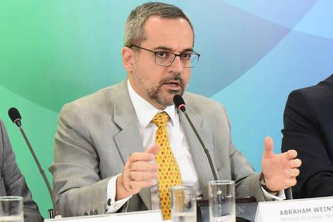 BRASILIA, DF, 29-11-2019  -    O ministro da educação Abraham Weintraub durante entrevista coletiva nesta sexta-feira(29), na sala de atos do Ministério da Educação. Credito:Luis Fortes/MEC