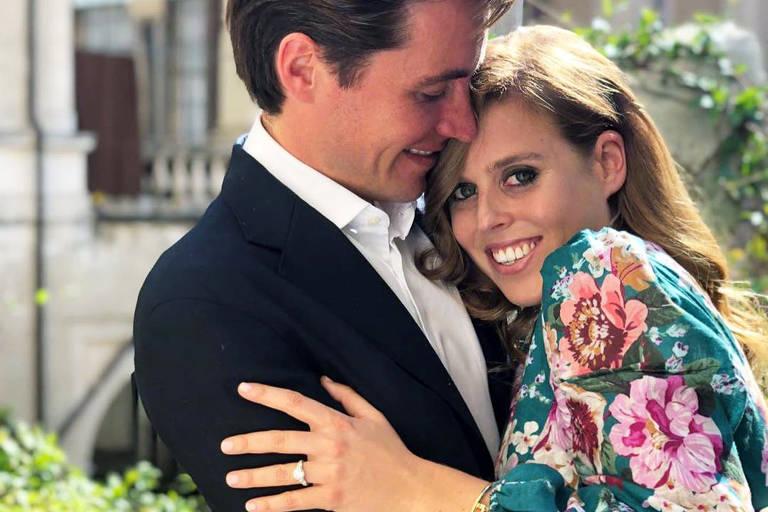 A princesa Beatrice com o empresário italiano Edoardo Mapelli Mozzi