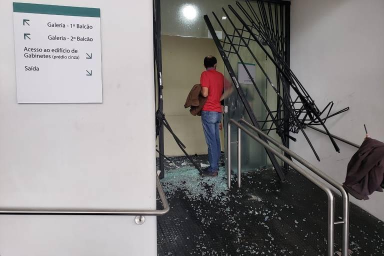 Ocupação de servidores na Assembleia Legislativa do Paraná