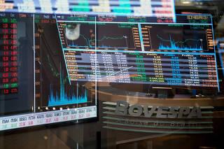 Gráficos das recentes flutuações dos índices de mercado no pregão da BM & F Bovespa