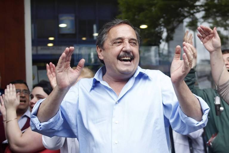 Ricardo Alfonsín durante sua campanha a presidente, em 2011