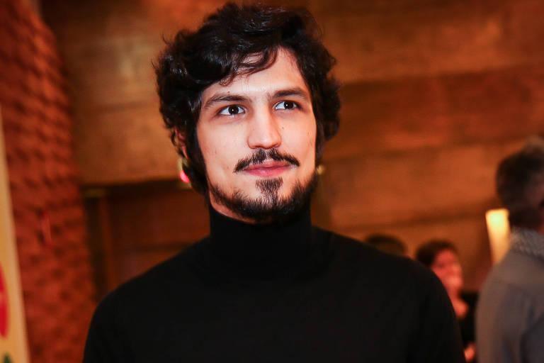 Gabriel Leone fará o traficante Pedro Dom em série da Amazon