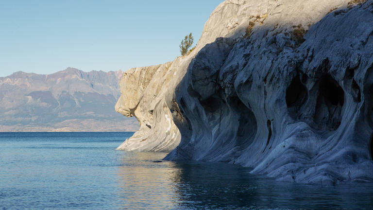 As Capelas de Mármore, cavernas esculpidas pelo vento e pela água no Lago General Carrera, no Chile