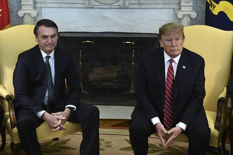 Bolsonaro e Trump durante encontro no Salão Oval da Casa Branca, no ano passado
