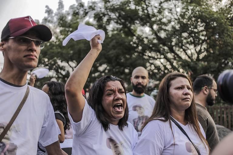 Manifestantes protestam em Paraisópolis