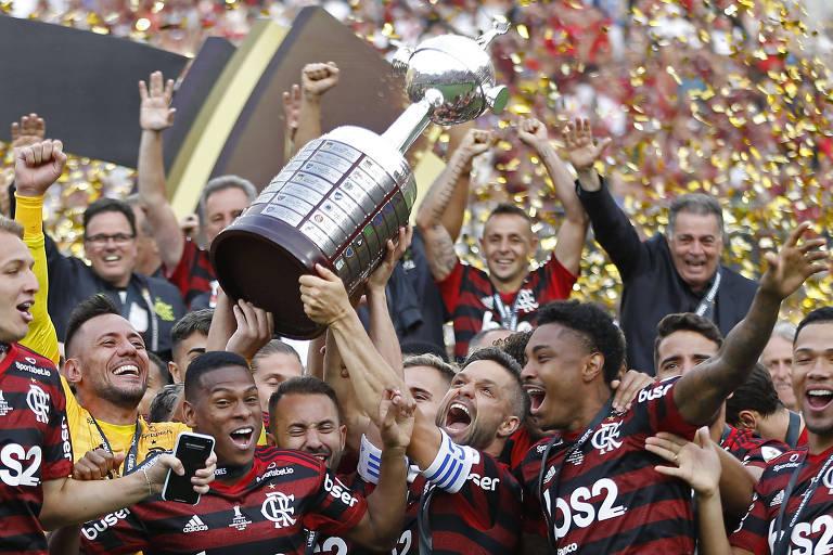 Jogadores do Flamengo comemoram a conquista da Libertadores de 2019, em Lima, no Peru