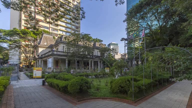 A Casa das Rosas exibe uma mostra sobre a Avenida Paulista