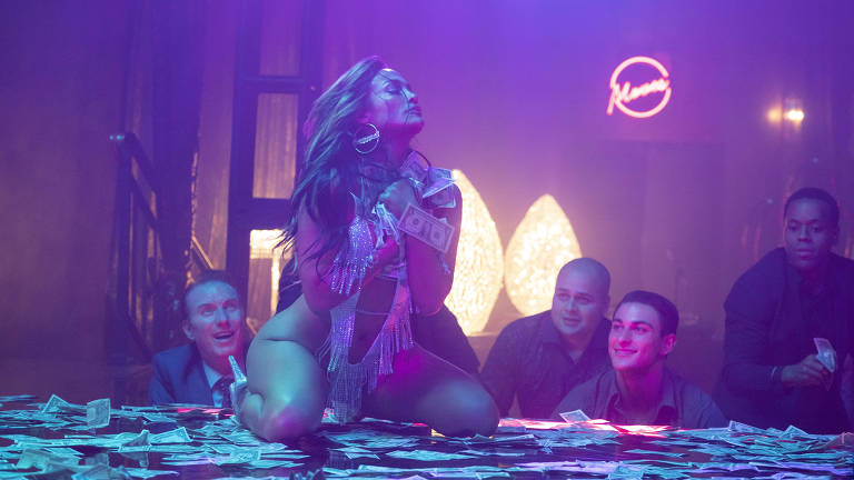 Cena do filme As Golpistas, com Jennifer Lopez.