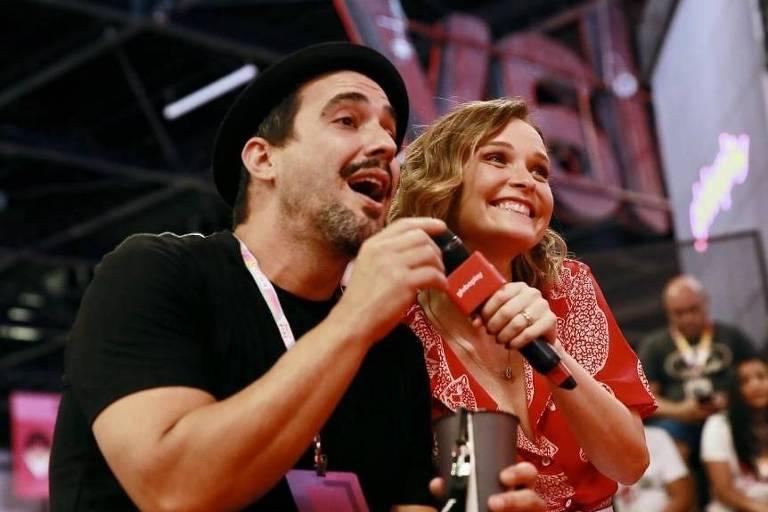 André Marques e Fernanda Rodrigues na CCXP