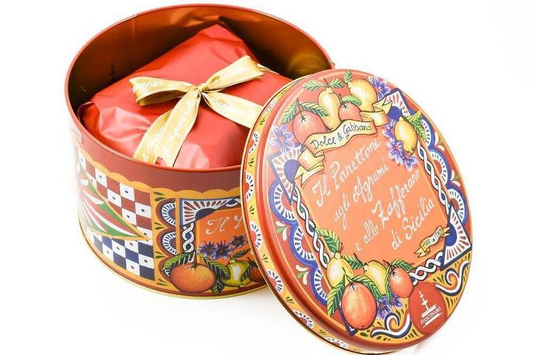 Panetone da grife Dolce e Gabana é recheado com pistache importado da Itália (R$ 709,90); doce é encontrado no Eataly