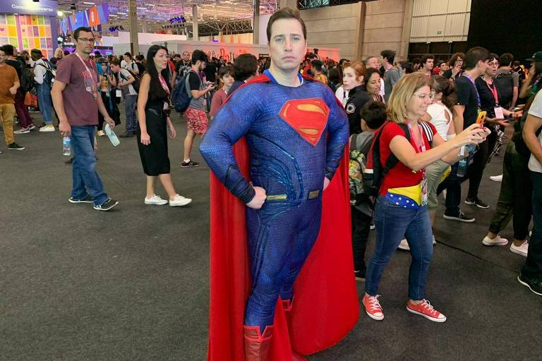O ator Fábio Gomes se vestiu de Superman