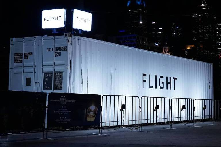 Experiência 'Flight' do grupo Darkfield