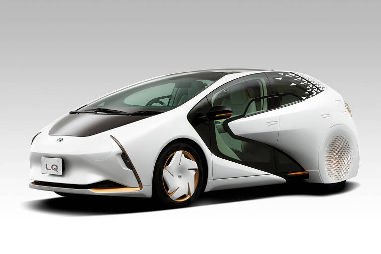Toyota LQ - Pensado para ser um robô sobre rodas, o protótipo elétrico da Toyota pode conversar com o motorista por meio de inteligência artificial