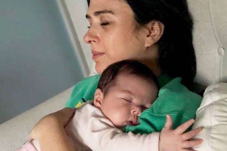 Tatá Werneck com a filha Clara Maria