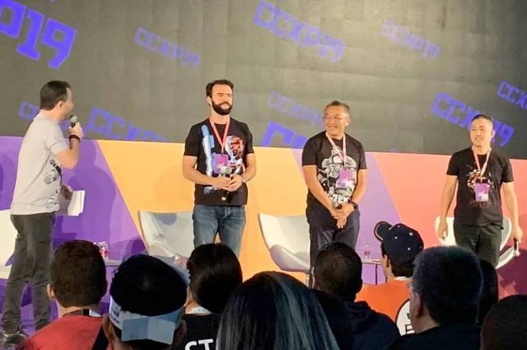Equipe fala sobre sucesso de Jáspion; na foto o diretor (à esq.), o presidente da Sato Company (centro) e o idealizador (à dir.)