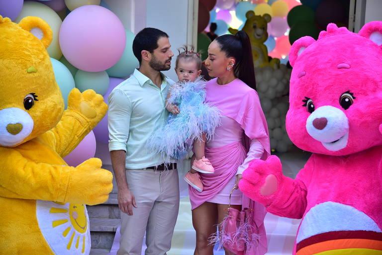 Zoe, filha de Sabrina Sato e Duda Nagle, ganha festa de um ano em São Paulo