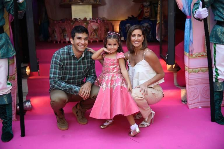 Maria Flor, filha de Deborah Secco e Hugo Moura, comemora aniversário