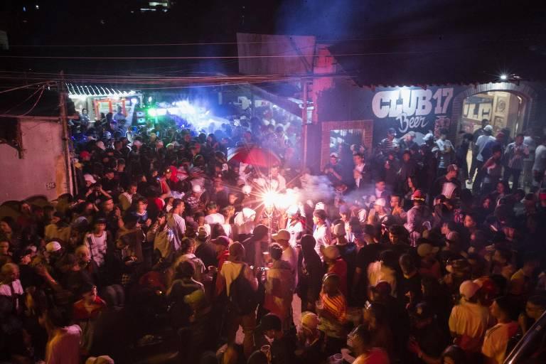 Baile da DZ7, em Paraisópolis, zona sul de SP, uma semana após ação da Polícia Militar que terminou com nove pessoas mortas