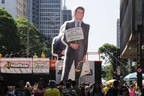 Em um ano, Moro se firma acima de Bolsonaro e como ministro mais popular, diz Datafolha