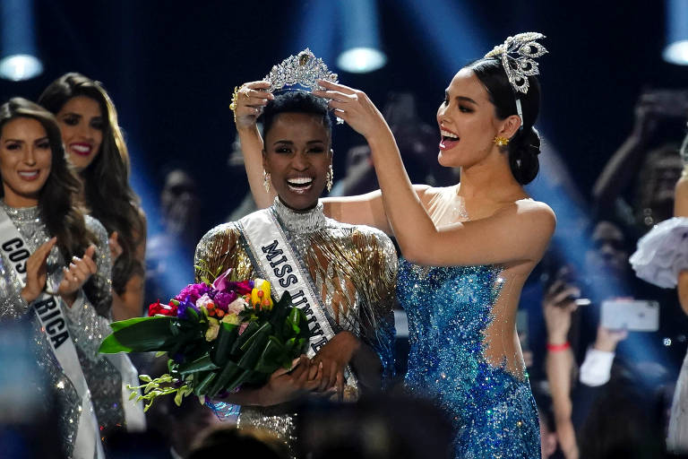Zozibini Tunzi é coroada Miss Universo 2019