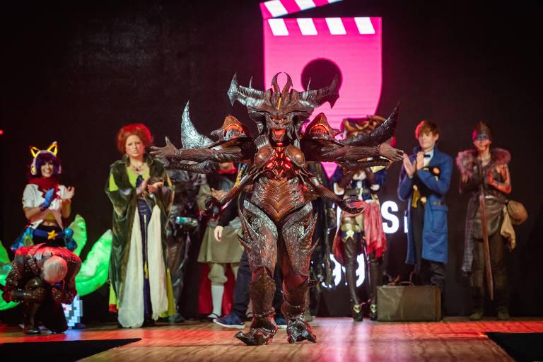 """Jaqueline Fernandes, 31, venceu o Concurso Cosplay da Comic Con 2019 com personagem Diablo Prime Evil, do jogo de RPG """"Diablo III"""""""