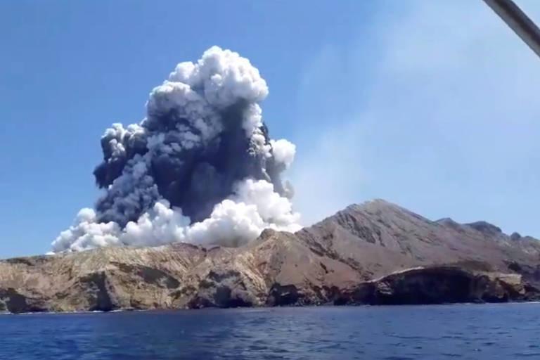 Brasileiros relatam como escaparam por pouco de vulcão que matou ao menos 5 pessoas na Nova Zelândia