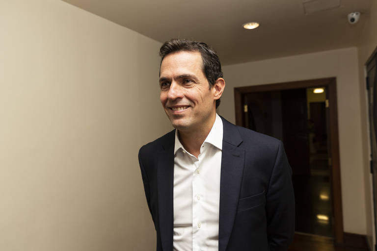 Huck compreende os problemas do Brasil, mas candidatura é decisão difícil, diz fundador do RenovaBR