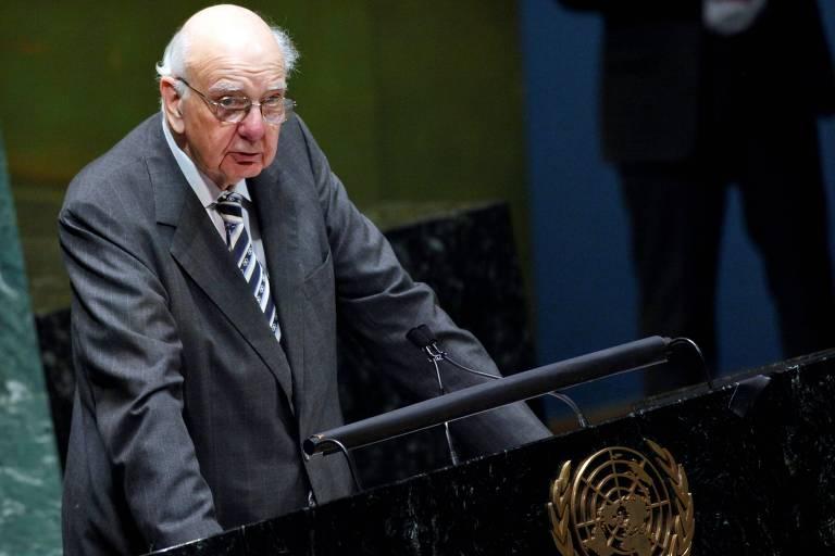 Paul Volcker, ex-presidente do Fed durante discurso na Assembleia Geral da ONU, em Nova York