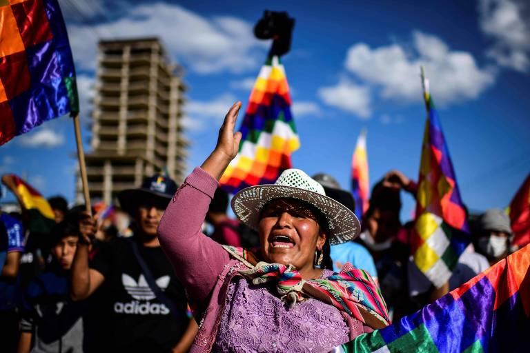 Apoiadores de Evo Morales participam de manifestação em Cochabamba