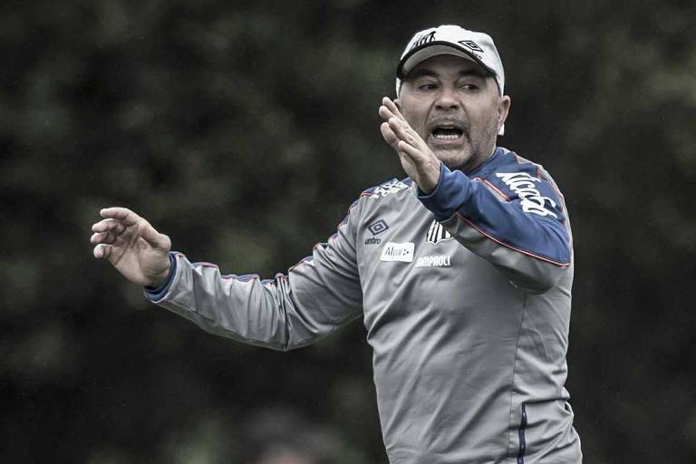 Jorge Sampaoli, técnico do Santos, durante treino no CT Rei Pelé