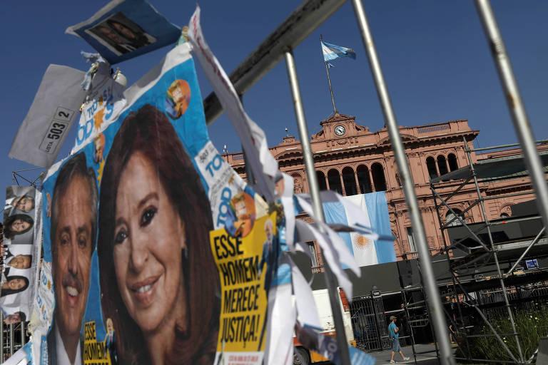 Pôster de campanha de Alberto Fernández e Cristina Kirchner