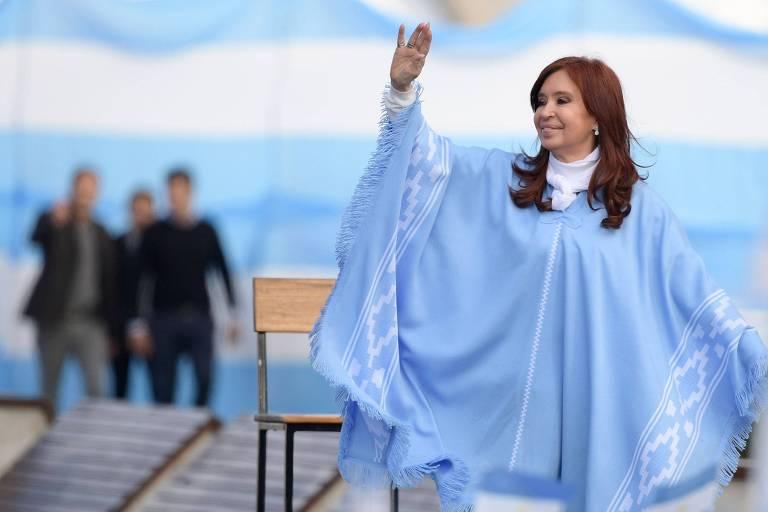 A então candidata a vice-presidente Cristina Kirchner durante comício da campanha eleitoral em Mar del Plata